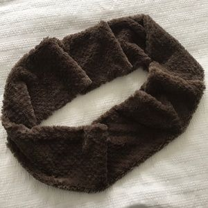 Accessories - Cozy soft taupe infinity scarf